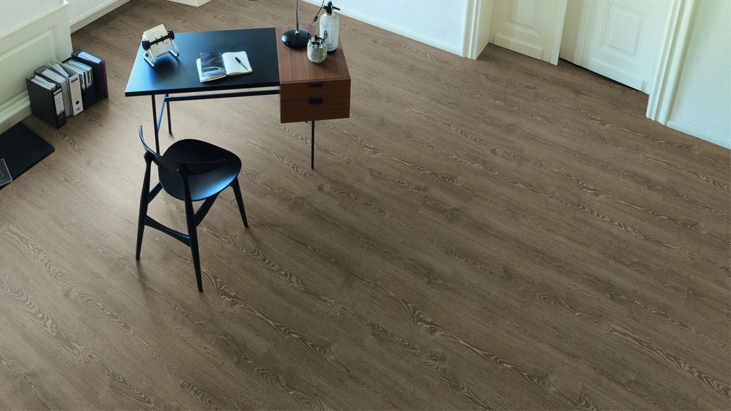 EGGER PRO Comfort Flooring Brown Waltham Oak