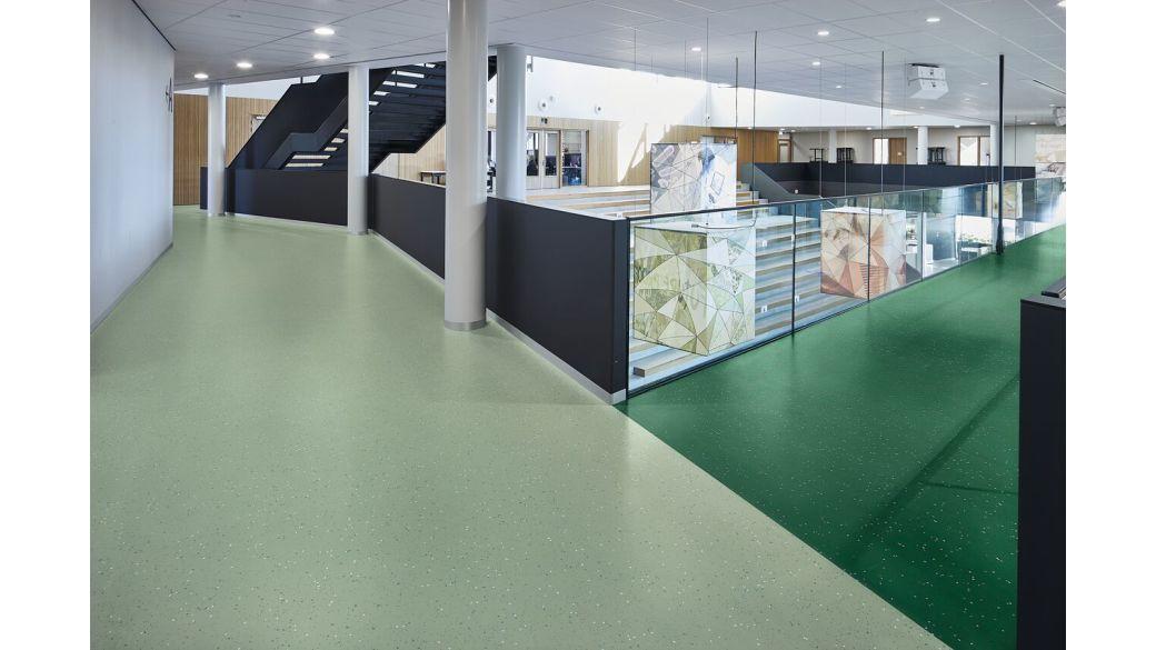 Sphera Energetic sheet vinyl flooring